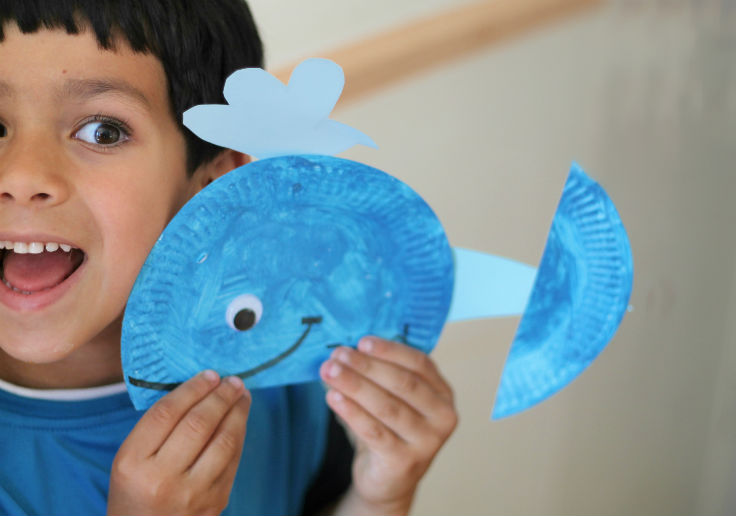 Blue Paper plate whale craft for kids