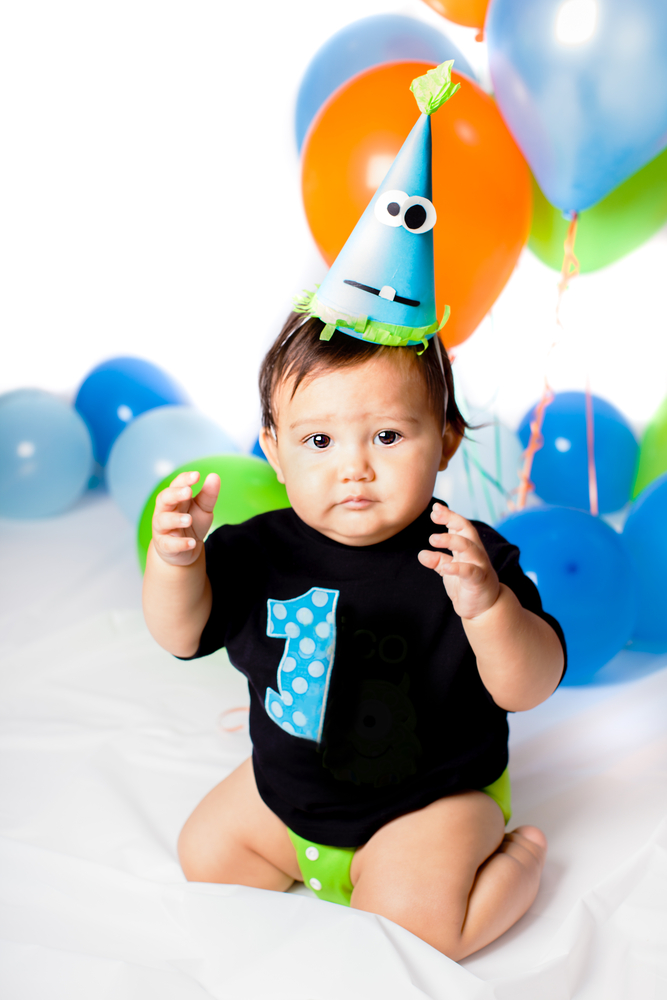"""I am one"" birthday outfit for 1 year old - and other ways to make kids birthdays special"