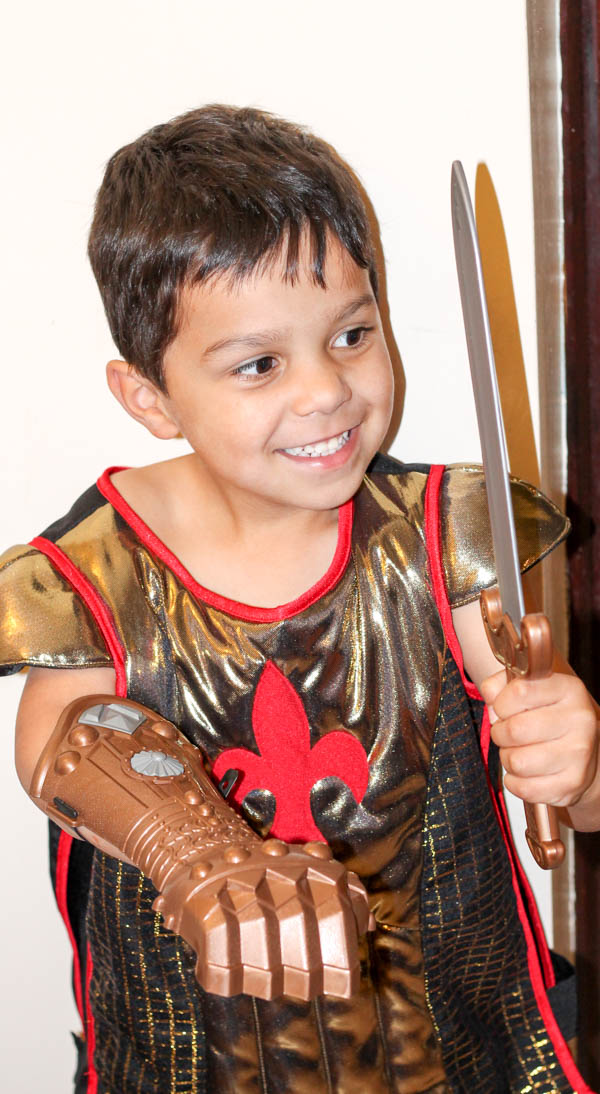 Knight's costume Dress up