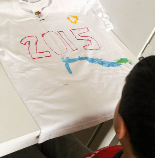 decorating a t shirt for the new year 2015