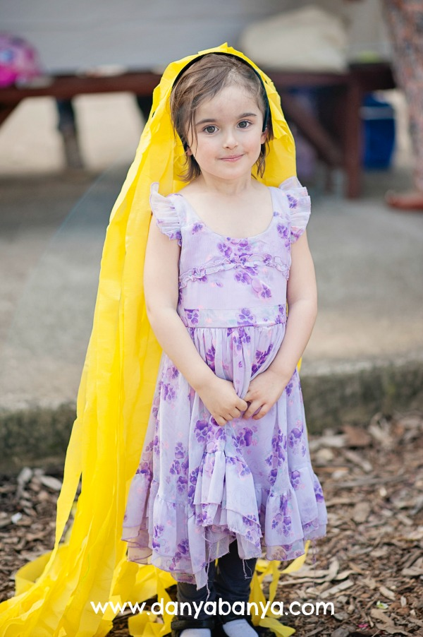 Rapunzel-with-her-headband-of-long-yellow-streamer-hair