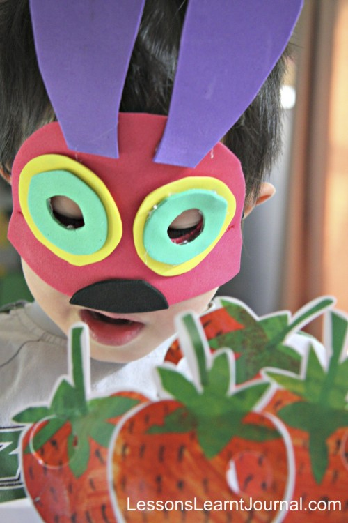 The-Very-Hungry-Caterpillar-No-Sew-Costume-03-LessonsLearntJournal-500x750