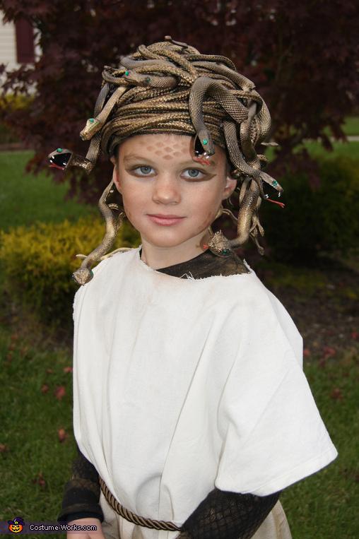 homemade medusa costume world book day costume idea