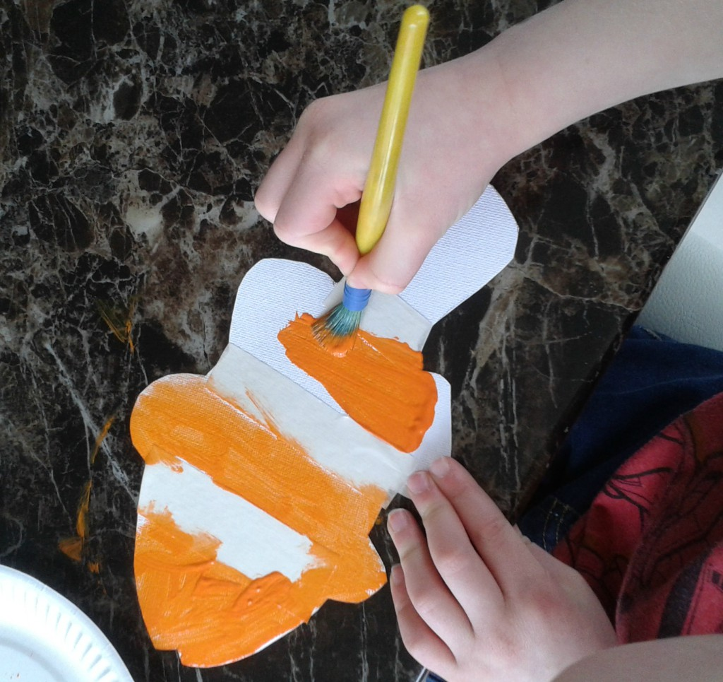 tape resist clown fish