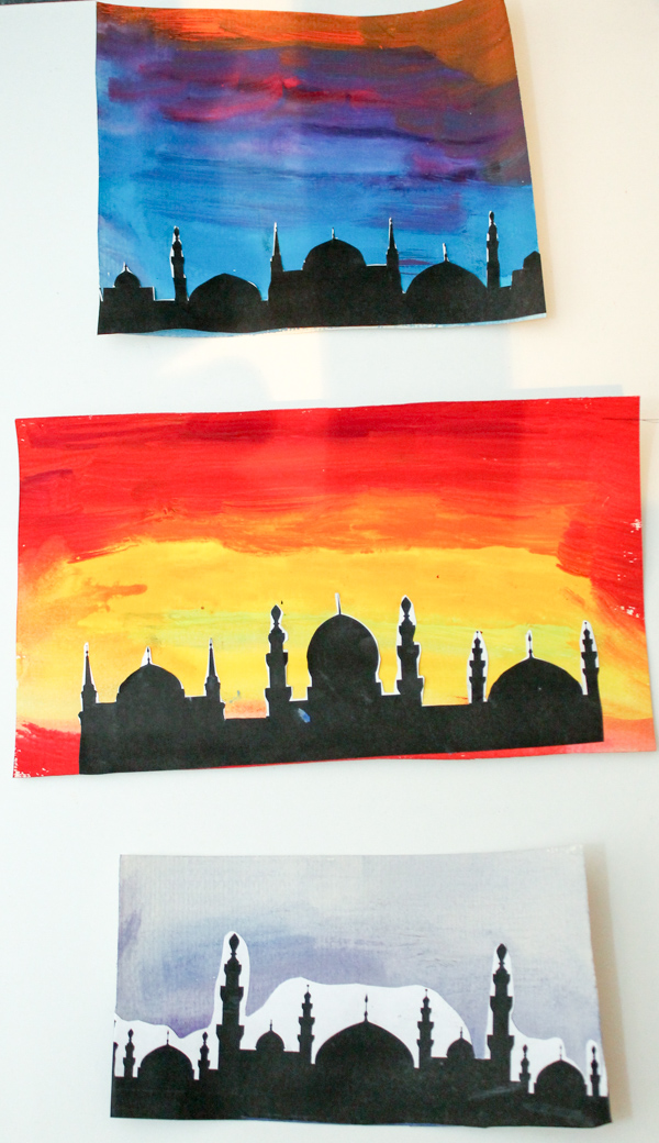 Watercolour background to make a mosque silhouette picture. Good for a Ramadan craft, to make an Eid card or for RE