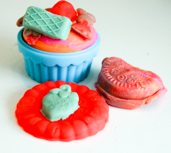 Making play-doh cupcakes and cookies