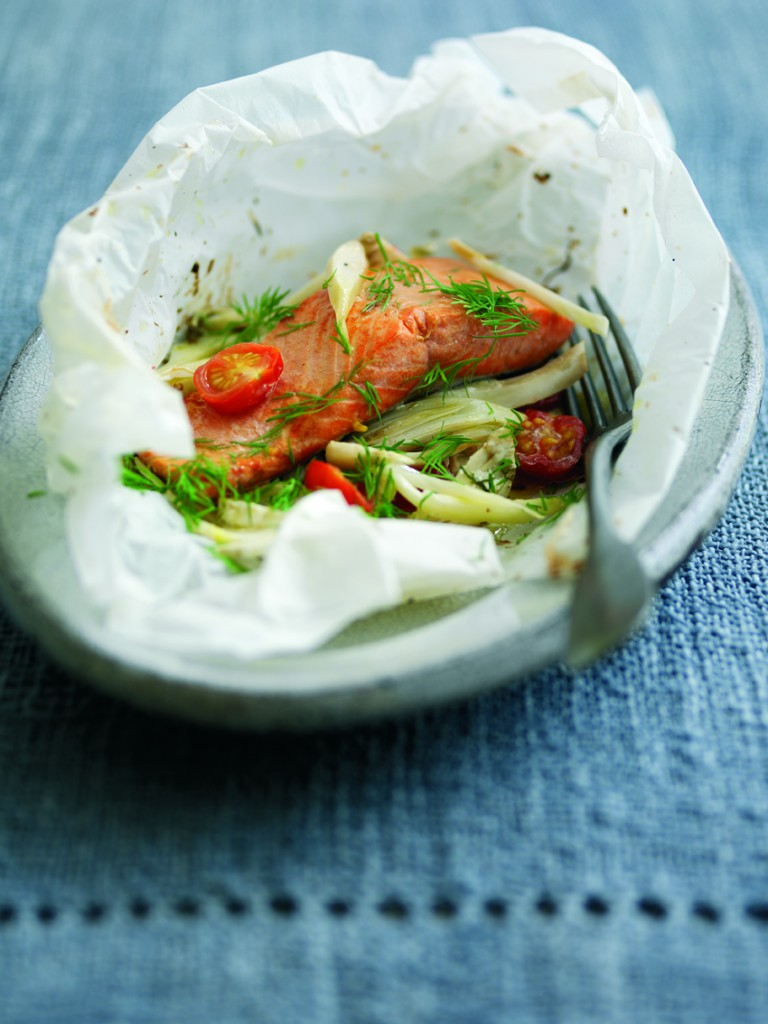 Baked Wild Alaskan Salmon recipe with Cherry Tomatoes, Fennel and Dill. Healthy and easy fish recipe