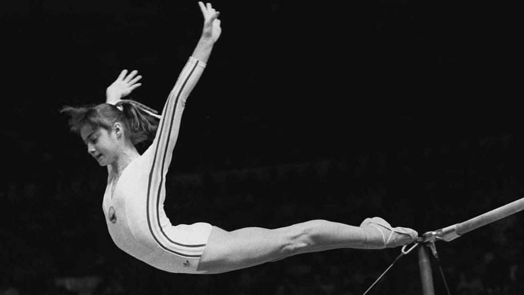 Η έξοδος από την προσπάθειά της στους ασύμμετρους ζυγούς στους Ολυμπιακούς Αγώνες του Μόντρεαλ το 1976, που έφερε το πρώτο «ατόφιο» δεκάρι στην ιστορία της ενόργανης γυμναστικής!