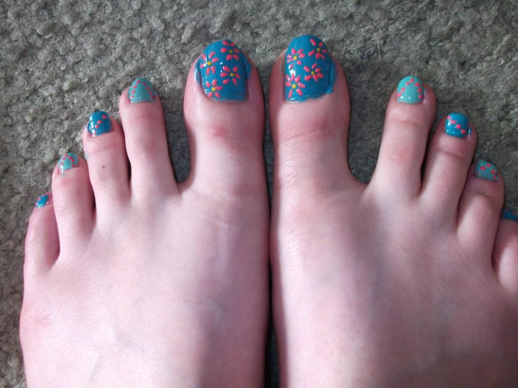 Simple Floral Toe Nail Design! :)