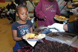 russell-westbrook-why-not-foundation-8th-annual-thanksgiving-dinner