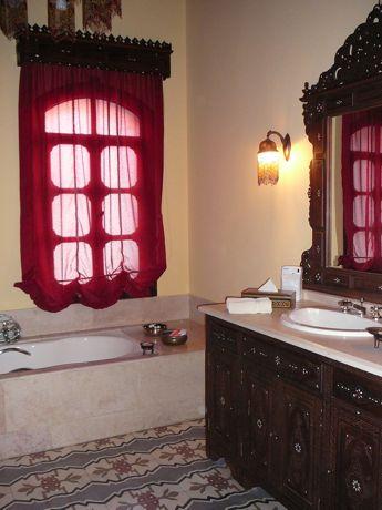00bathroom.jpg