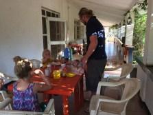 Frühstück bei Mama Pierina in Morogoro