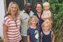 Familienfoto mit Hamisi