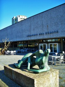 Akademie der Künste with Henry Moore sculpture