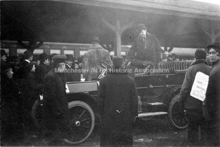 President Taft getting into carriage in 1912.