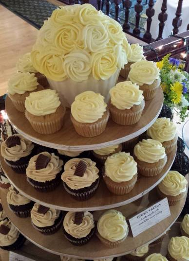 Queen City Cupcakes | cupcake tower