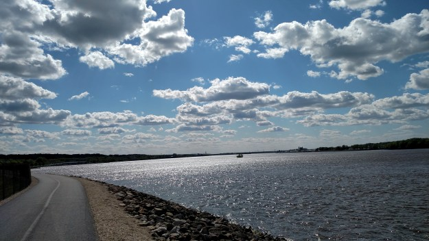 The Mississippi River via the Great River Trail
