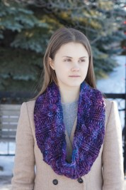 joy infinity cowl chunky purple3
