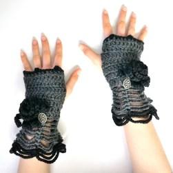 rose-hand-warmer-gray-black