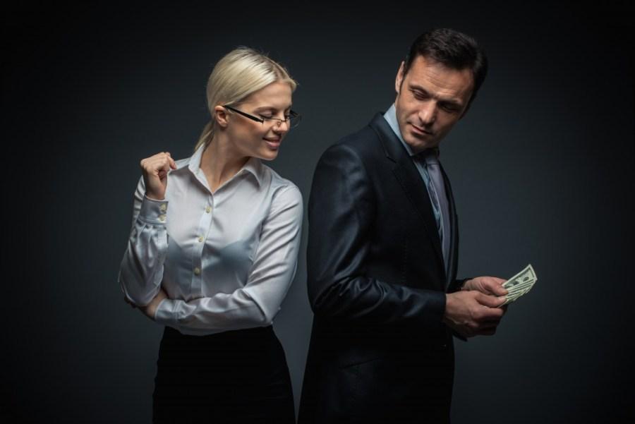 Почему мужчина не тратит деньги на женщину