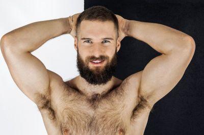 Мужчина не бреет подмышки: животные привычки или осмысленный выбор