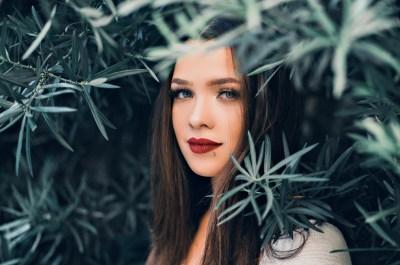 Почему красивые девушки одиноки: несколько простых причин