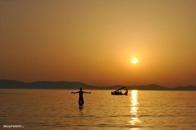 Tramonto sul mare a Naxos