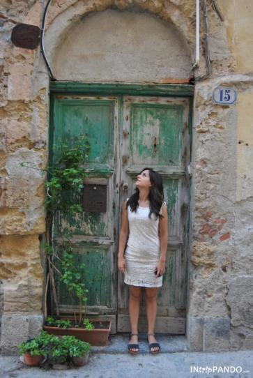 Antica porta nel centro storico di Cefalù