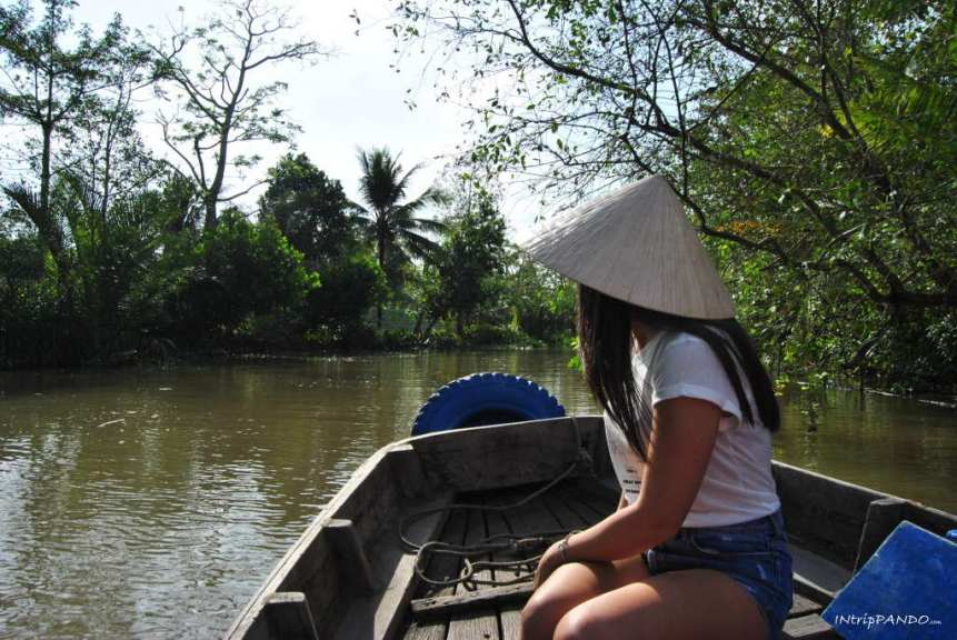 navigazione sui canali del delta del Mekong