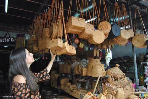 bancarelle di prodotti artigianali a Bali