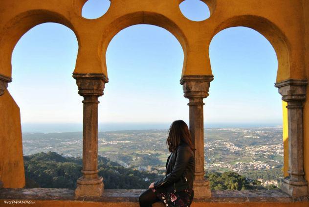 vista sull'oceano dalla terrazza di Palazzo Pena a Sintra