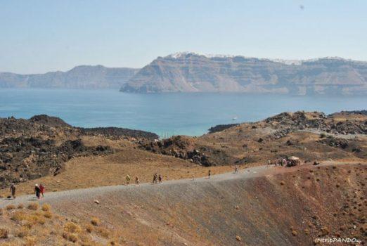 Escursione sul vulcano Nea Kameni