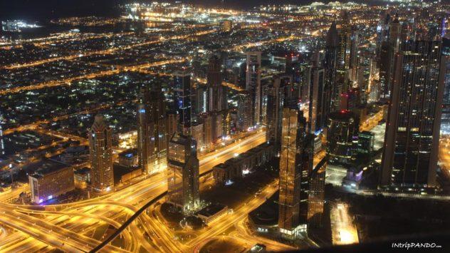 vista notturna Burj Khalifa