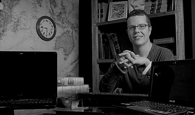 """Entrevista ao escritor Pedro Vieira, autor do recém-publicado romance """"Maré Alta"""", com a chancela da Companhia das Letras Portugal   INTRO"""