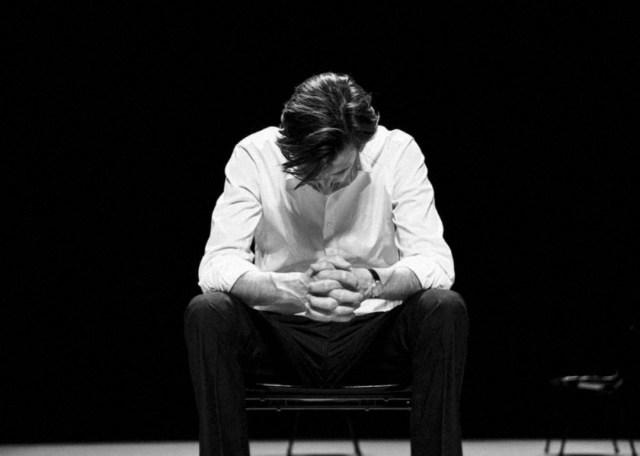 Crítica da peça A Matança Ritual de Gorge Mastromas, de Dennis Kelly, apresentada na Sala Garrett do Teatro Nacional D. Maria II a 31 de Maio de 2019 | INTRO