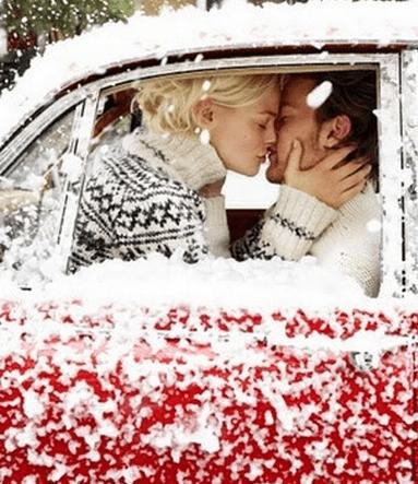 christmas-couple-kiss-love-Favim.com-1374119