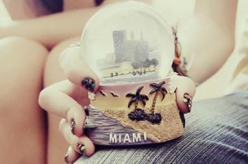 cute-miami-nails-photography-pretty-snow-globe-Favim.com-90794