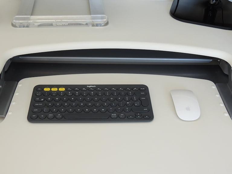 Desk Setup 2018 Logitech Keyboard and Apple Mag Mouse
