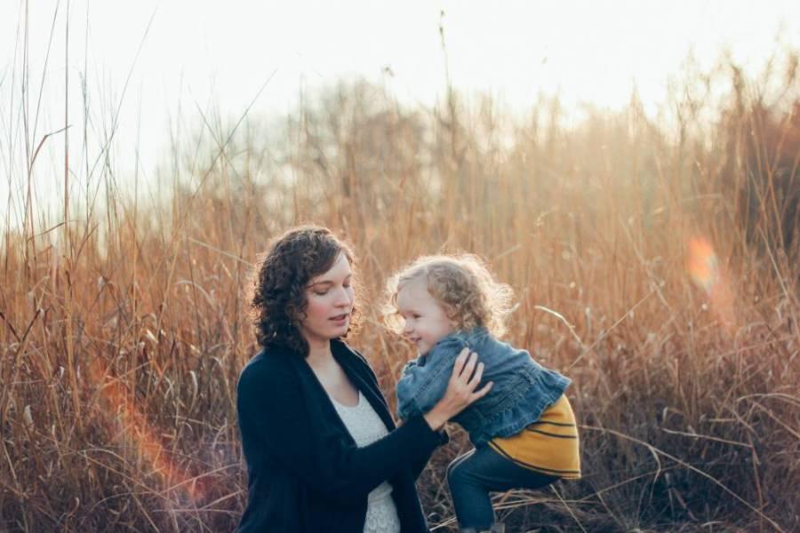 Stilul parental – când ceilalţi vă critică alegerea