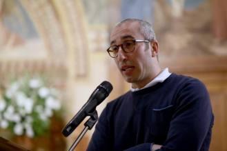 Veglia per le vittime dell'omofobia tenuta il 17 maggio 2016 nella parrocchia di san Fulgenzio a Roma ed organizzata da Nuova Proposta