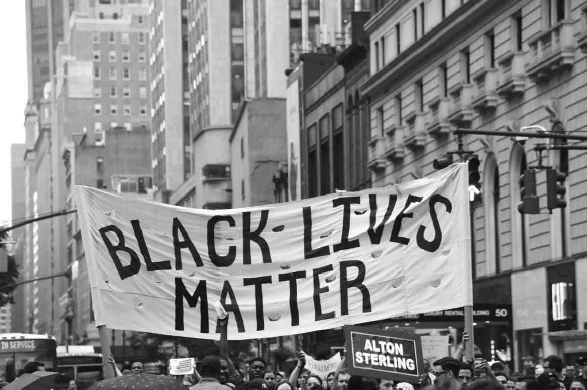 Libros sobre la raza que toda persona necesita leer