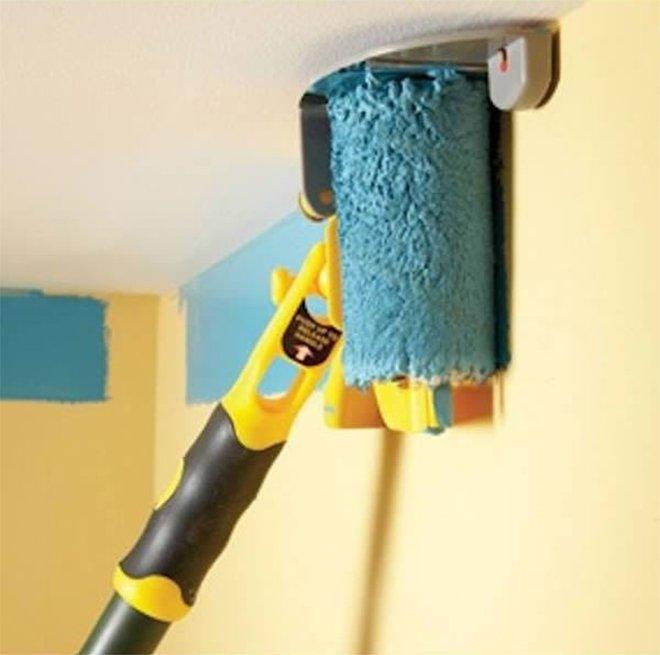 Un rouleau de peinture spéciale pour le haut des murs