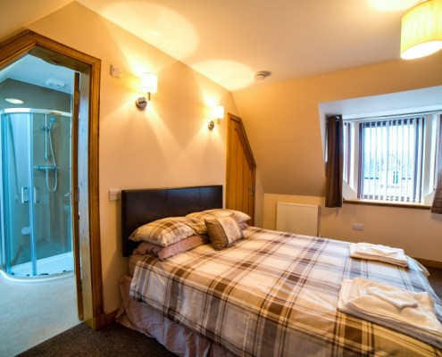 Double Bedroom with ensuite shower