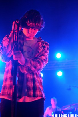 Neon Waltz - Loop Kicks Off