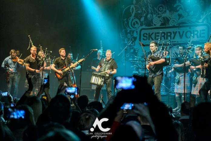 Skerryvore with City Of Inverness Pipe Band and Runrigs Iain Bayne December 2018 Ironworks Inverness November 2018 26 - Skerryvore, 7/12/2018 - Images