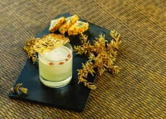 The Ritz-Carlton Cancun presenta coctel elaborado a base de sargazo