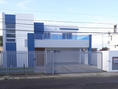 Lujosa Casa en Construcción con 4 Habitaciones en Villa Maria, Santiago