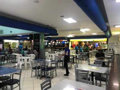 Bar y Restaurante en Food Court de Plaza Colinas Mall, Santiago
