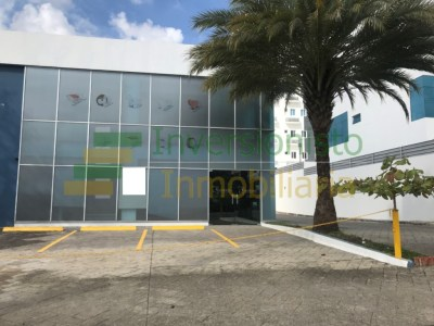 Edificio Comercial de Alquiler en La Española, Santiago