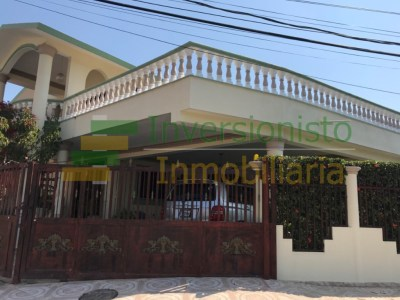 Casa Cómoda Disponible en Urb. Embrujo I, Santiago